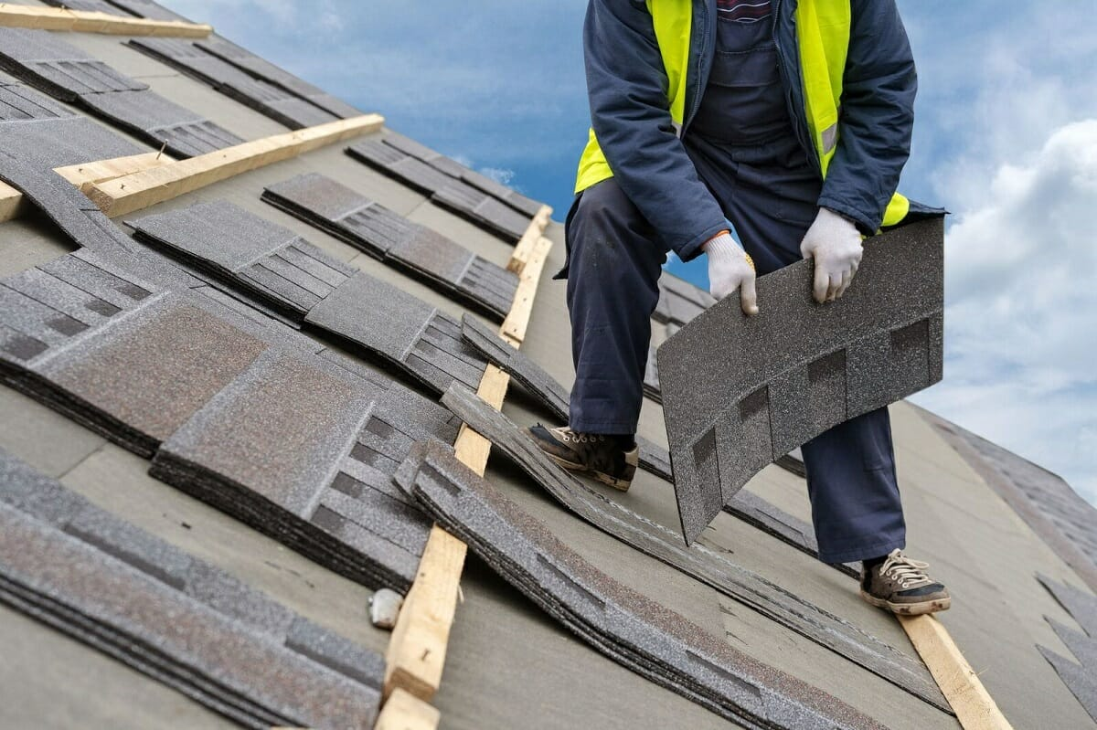 These 10 Signs Mean You Need a New Roof